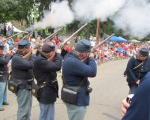 PARADE_0001_35_parade_civilwarsoldiersshooting_lisamatula.jpg